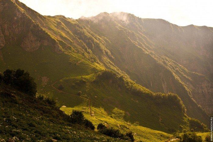 Верх тропы «Альпийские луга», выход на хребет Аибга